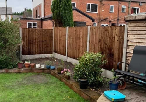 back garden fencing vertical board with concrete posts
